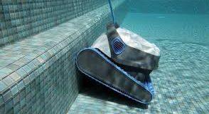 Migliori robot piscina dimensioni 9 x 4 m: guida all'acquisto